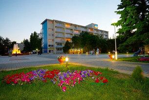 Двор пансионата «Урал»